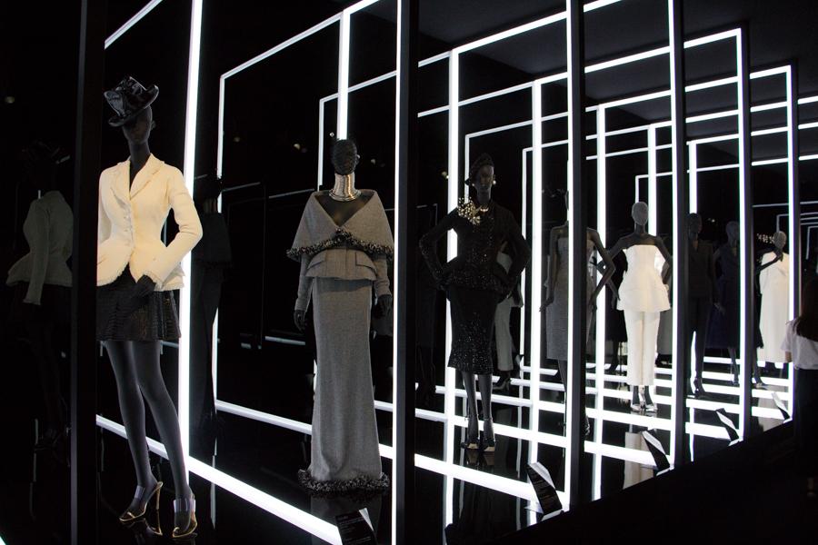 модная одежда, korean fashion, основы корейской моды, корейская мода, корейские бренды, диор в сеуле, искусство кореи, люксовые бренды, люксовый бренд, мир диор, мисс диор, духи жадор, аромат жадор, французский бренд