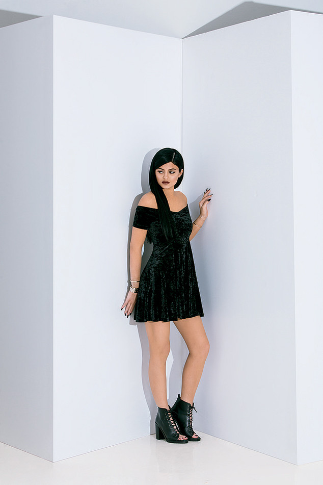 PacSun Holiday 2014 Campaign featuring Kendall and Kylie Jenner