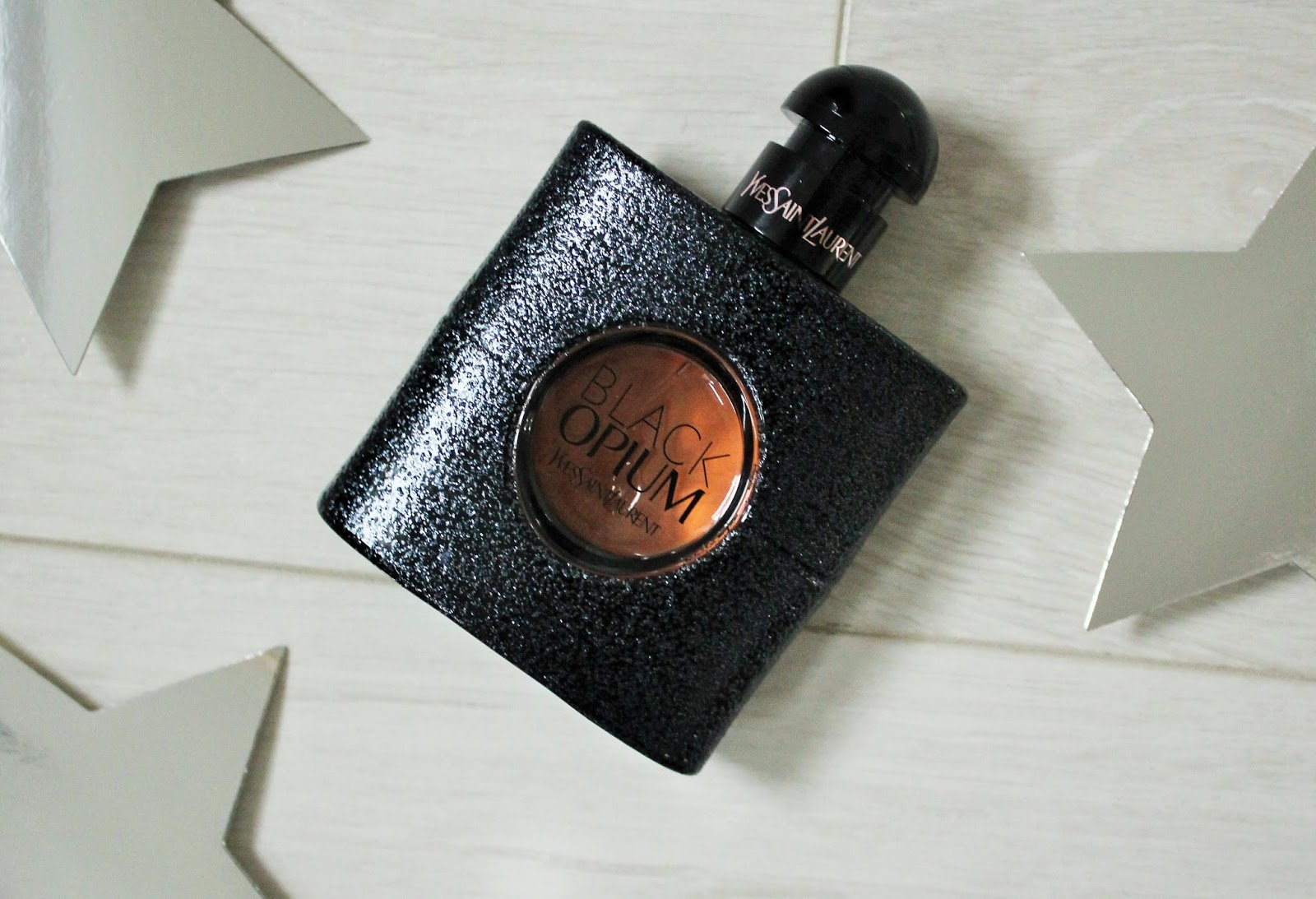 Winter Perfume 2 - Yves Saint Laurent Black Opium