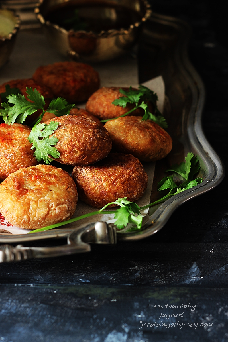 Buff vada also known as farali buff vada, these are Gujarati farali patties which are made with farali flours and mashed potato.
