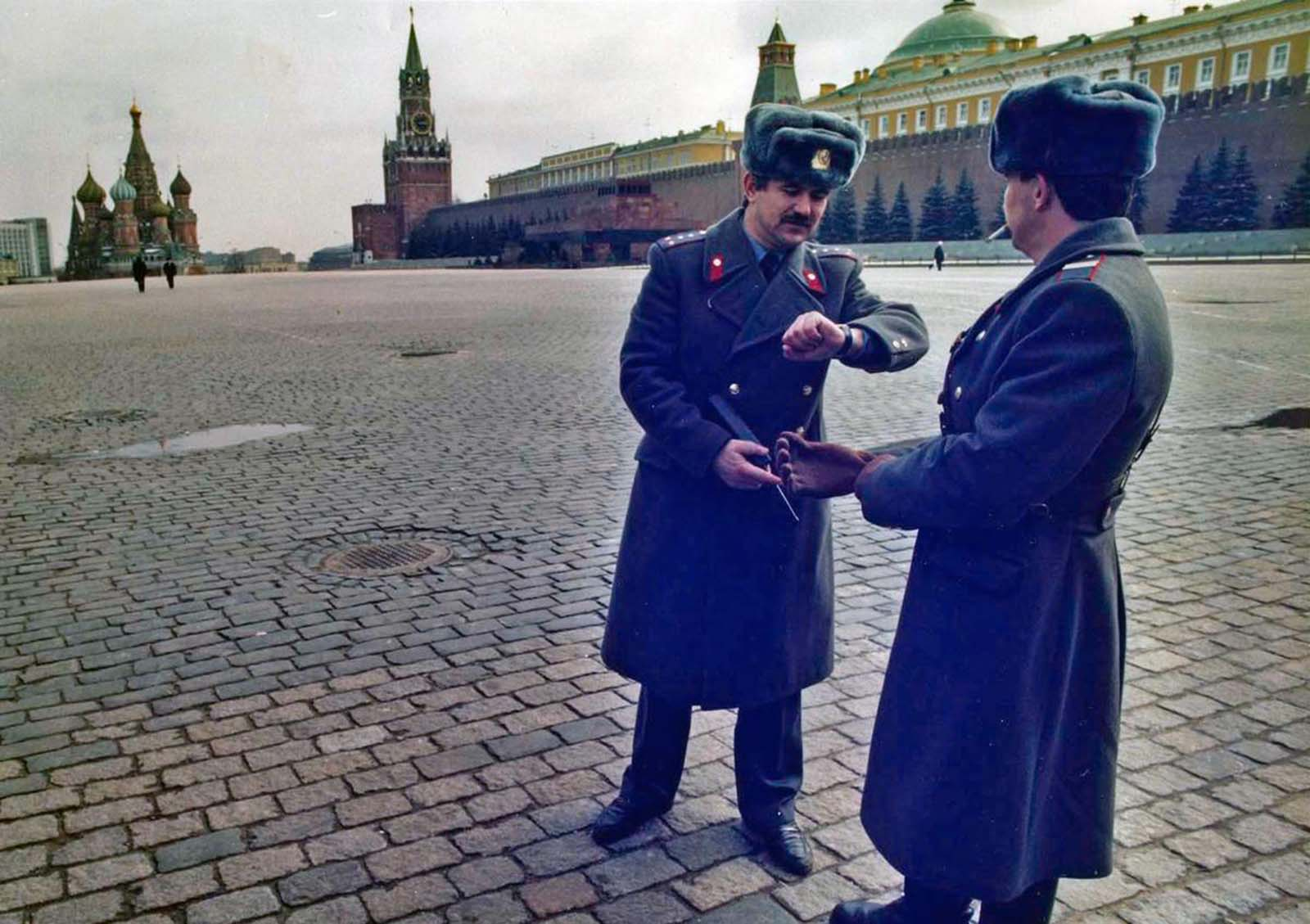 Soviet soldiers patrol an emptied Red Square in Moscow, on March 27, 1991, after the area had been blocked off in anticipation of a pro-Yeltsin rally.