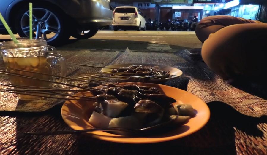Yogyakarta Menjadi Salah Satu Destinasi Wisata Murah  siapa tugu hantu belanda