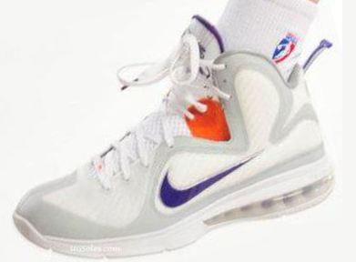 2c6d41f40ef THE SNEAKER ADDICT  Nike LeBron 9 Diana Taurasi PE Sneaker