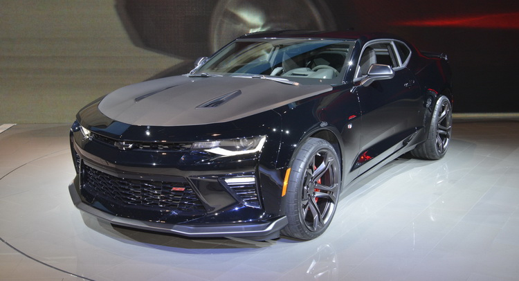 Chevrolet's Track-Ready 2017 Camaro 1LE Shows Up In Chicago