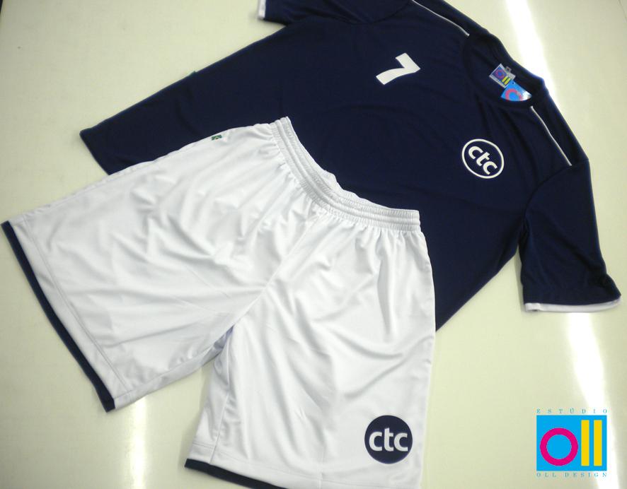 ... fardamento de futebol personalizado para os dias de jogos com outros  clubes. Nas cores do clube 5feabf0adddfd