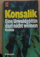 Cover: Schwarzhaarige Frau vor Blättern, alles ist grün