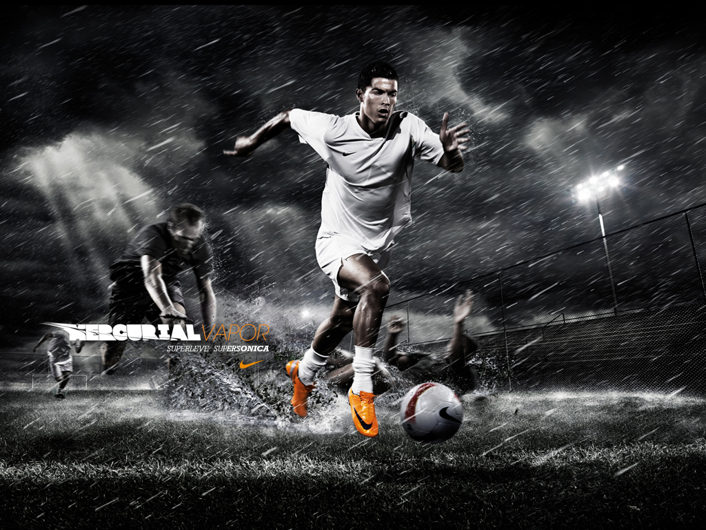 Free Soccer Wallpaper: Football: Cristiano Ronaldo HD Wallpapers