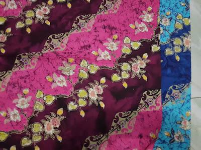 Model gaun batik modern