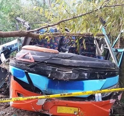 foto bus rosalia indah kecelakaan