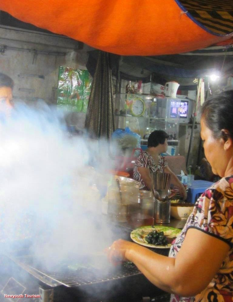 Best Street Food Streets in Ho Chi Minh city 14