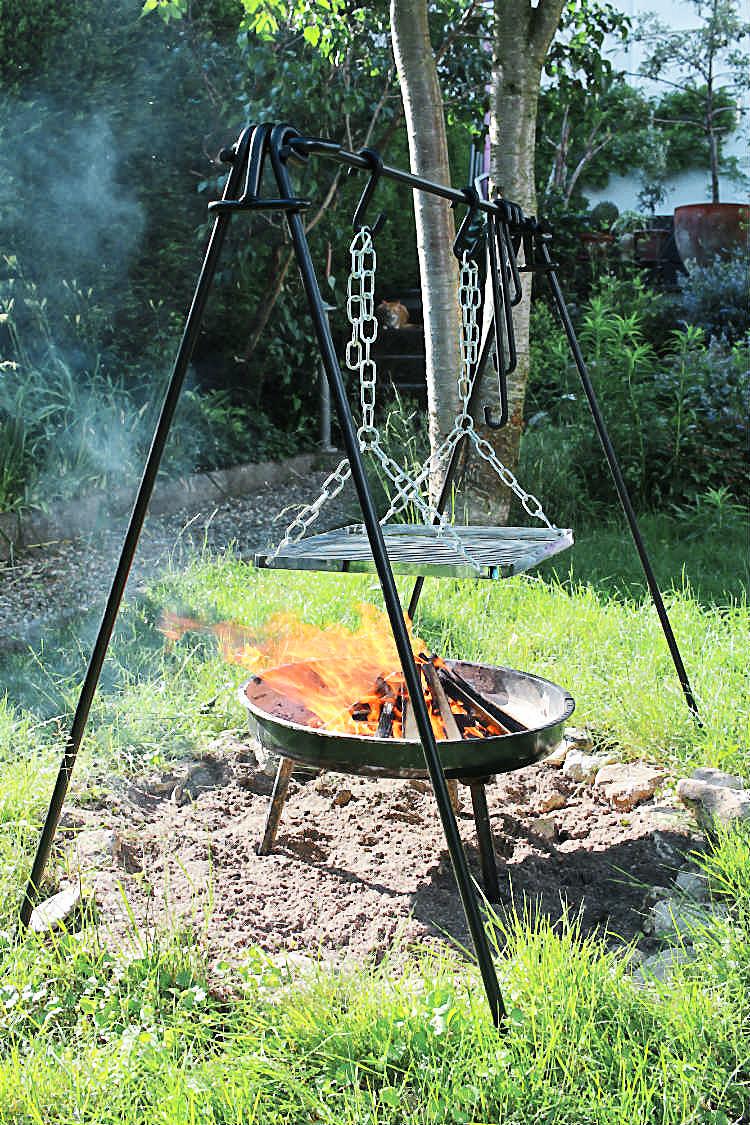 Die Petromax-Feuerbrücke mit Grillschaukel | Arthurs Tochter kocht. Der Blog für Food, Wine, Travel & Love