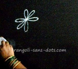 making-basic-rangoli-2411d.jpg