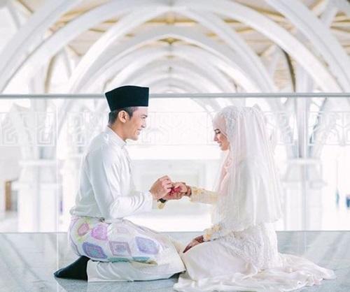 Gambar Saharul Ridzwan nikah, gambar isteri Saharul Ridzwan, gambar pernikahan Saharul Ridzwan & Deena Emir, gambar kahwin Saharul Ridzwan, foto majlis akad nikah wedding Saharul Ridzwan, Qaabila Deena Amir