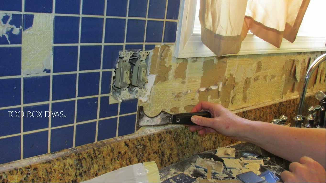 Tile removal 101 remove the tile backsplash without for Removing backsplash tile from sheetrock