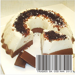 Gelatina de coco e chocolate fatia aparente