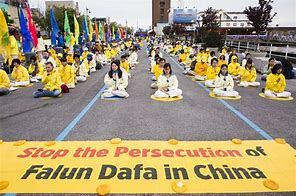 protest to stop persecution of Falun Gong in New York City