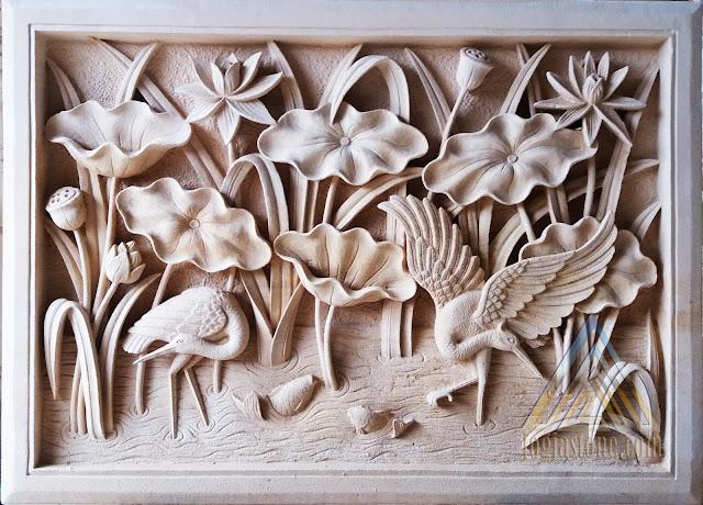 Relief batu alam paras jogja, batu paras putih motif lotus dan bangau