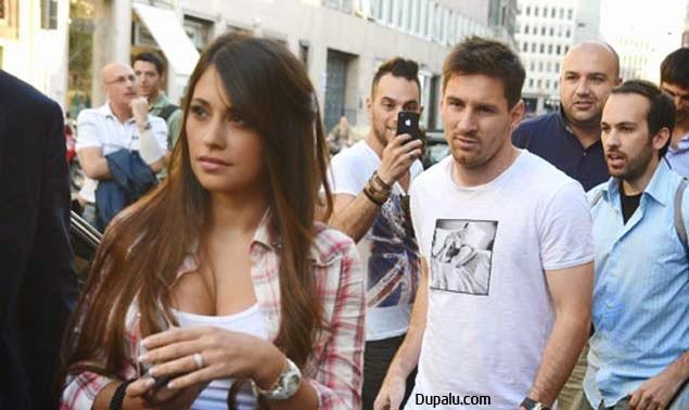 Antonella Roccuzzo es la actual pareja de Messi y madre de su hijo Thiago.