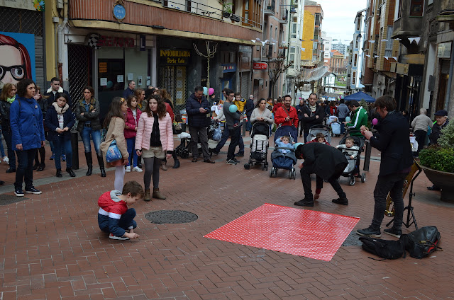 Actividad en la calle Portu