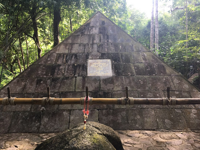 a pyramid monument to the queen of Thailand