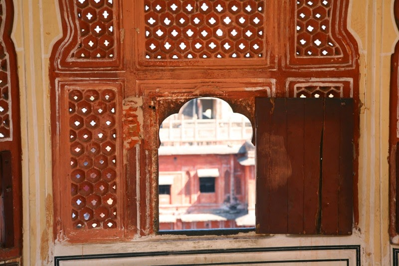 Small windows - Hawa Mahal - Jaipur Pink City - Rajasthan