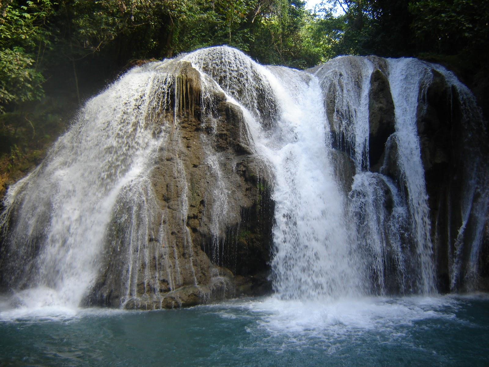 Jose Contreras- Villa Trina: La Cascada