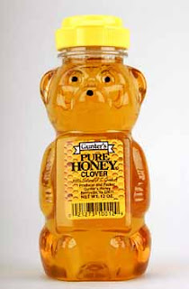 Gambar madu asli dalam botol bentuk beruang
