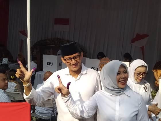 Tingkah Sandiaga di TPS yang Bikin Nur Asia Tertawa