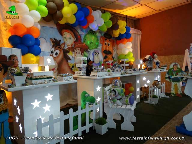 Decoração tema de aniversário Toy Story para festa infantil