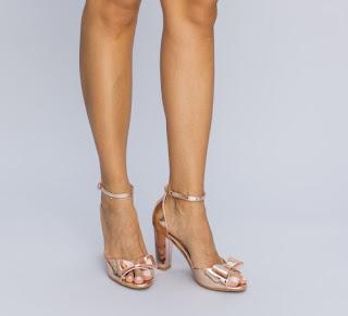 Sandale aurii de ocazie cu fundita cu toc elegante