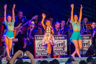 Mariah Yohana leva multidão para show especial de Dia das Mães