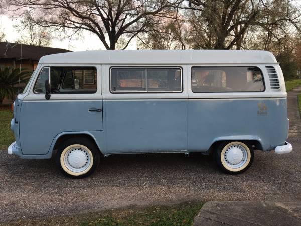 interesting vw kombi vw bus. Black Bedroom Furniture Sets. Home Design Ideas
