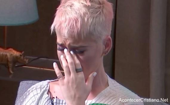 Katy Perry revela quiso suicidarse