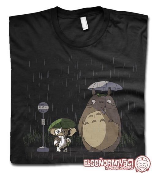 http://www.miyagi.es/camisetas-de-chico/camisetas-de-cine/camiseta-Totoro-Gremling