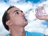 Awas! Minum Banyak Air Membunuhmu