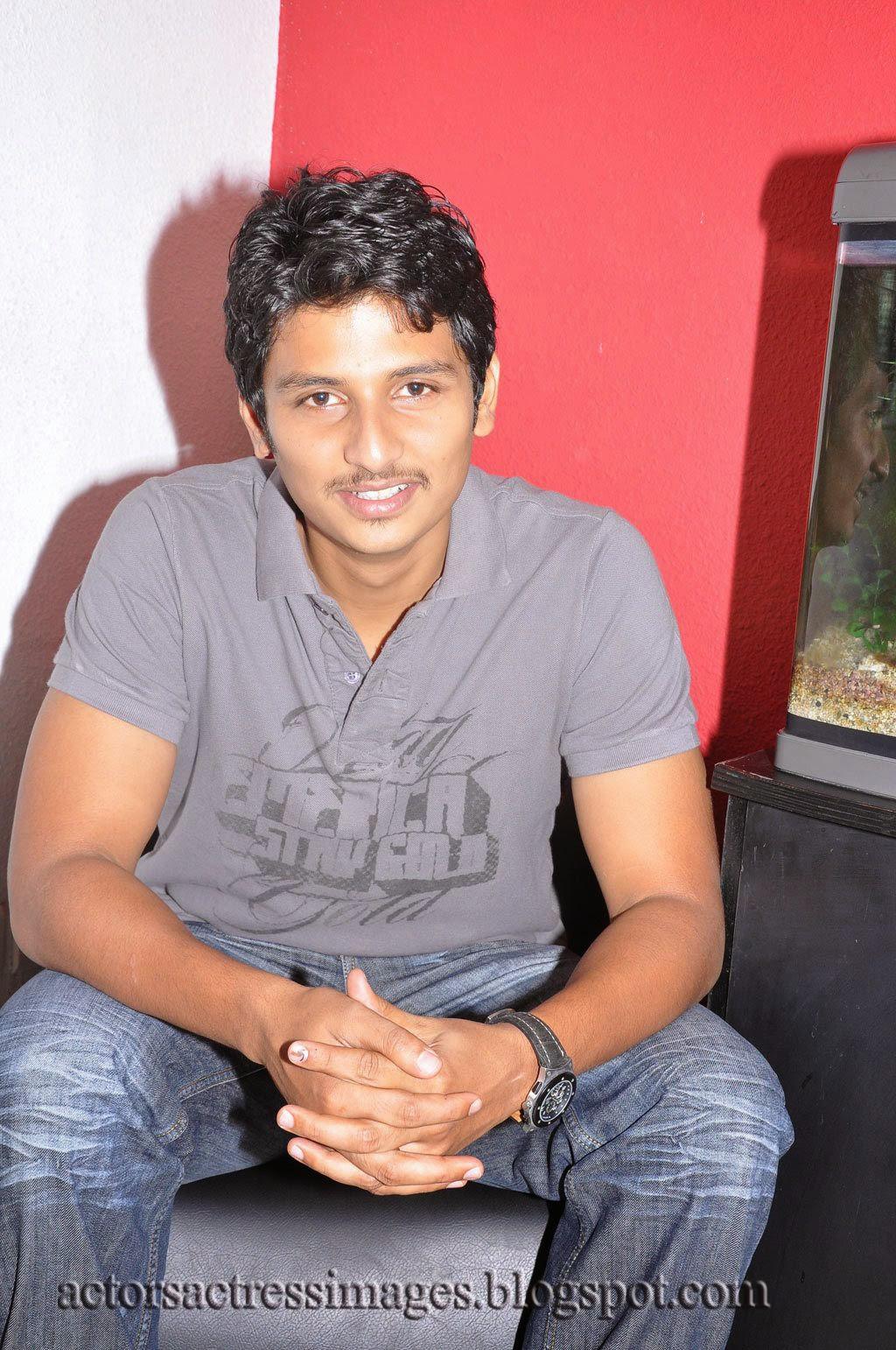 Tamil Actor Jeeva Cute Photos Gallery ~ AAI