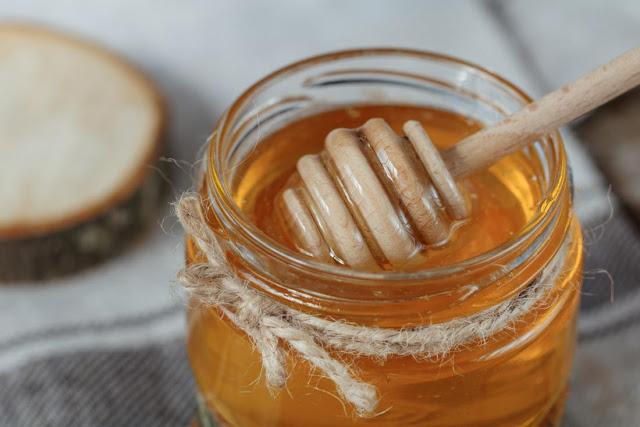 تناول العسل بدل المضادات الحيوية لعلاج السعال الخبراء ينصحون