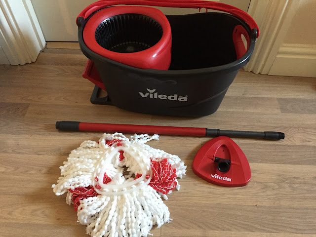 Easy Wring Clean Turbo mop and bucket
