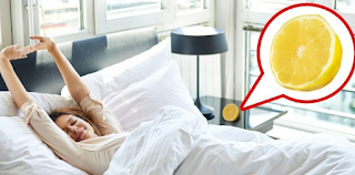 Άφησε μισό λεμόνι δίπλα απ'το κρεβάτι της και αποκοιμήθηκε. Όταν ξύπνησε το επόμενο πρωί; Έπαθε πλάκα με το αποτέλεσμα!