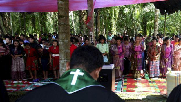 Tak Punya Gereja, Umat Kristen Aceh Singkil Ibadah Natal di Tenda