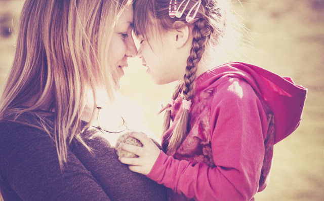 5 Ways to Tell Your Mom You Love Her