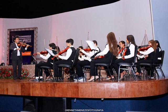 LOCAL: Orquestra Municipal de Violinos se apresentou no Congressos Internacional de Direito, em Caruaru