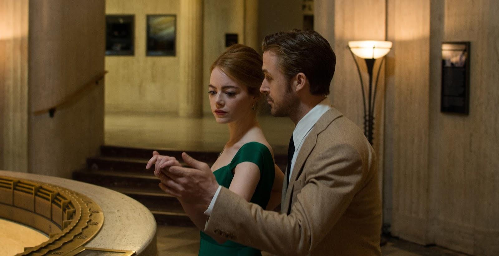 Emma Stone y Ryan Gosling bailanto en LaLaland