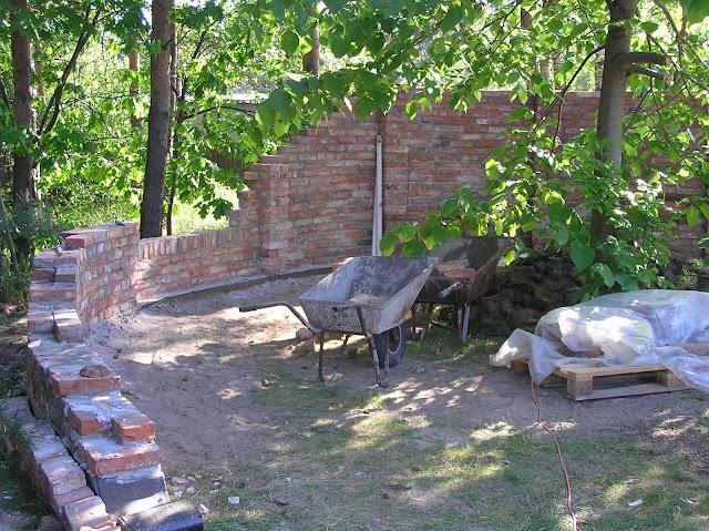 mała architektura w ogrodzie