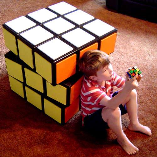 diy un meuble fa on rubik 39 s cube. Black Bedroom Furniture Sets. Home Design Ideas