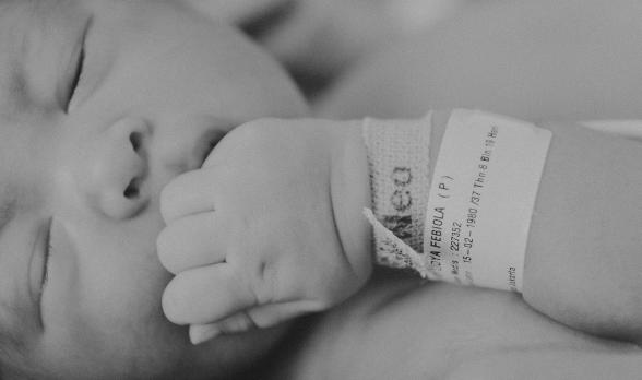 Olla Ramlan Unggah Foto Proses Kelahiran Anak Ketiganya