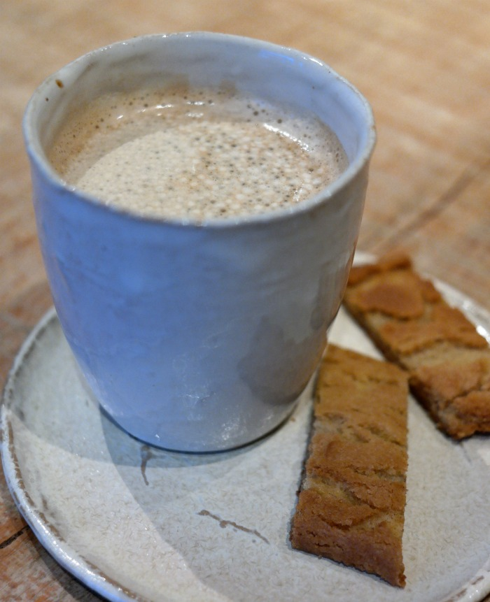 Kahvi ja keksi