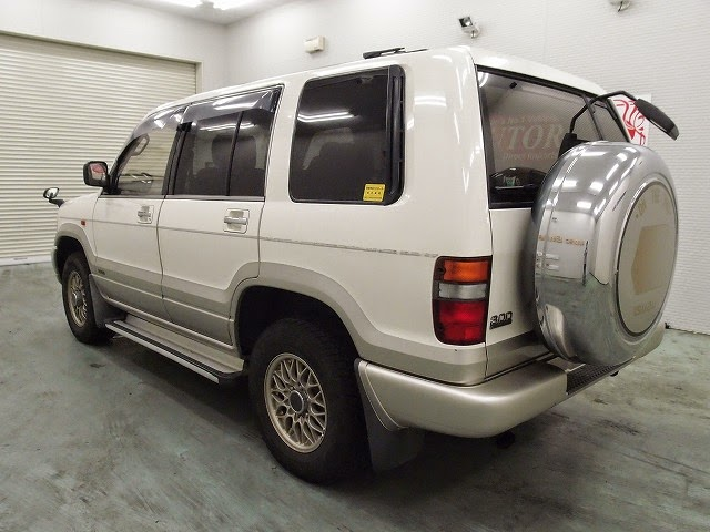 1998 Isuzu Bighorn Handling by Lotus 4WD for Zimbabwe to Dar