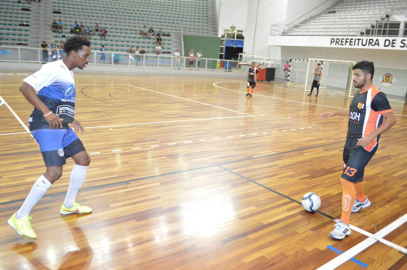 O Laranja Mecânica quase empata após João Victor roubar a bola de Kanela e  tocara para Marcos Silva a60cec88fcb3b