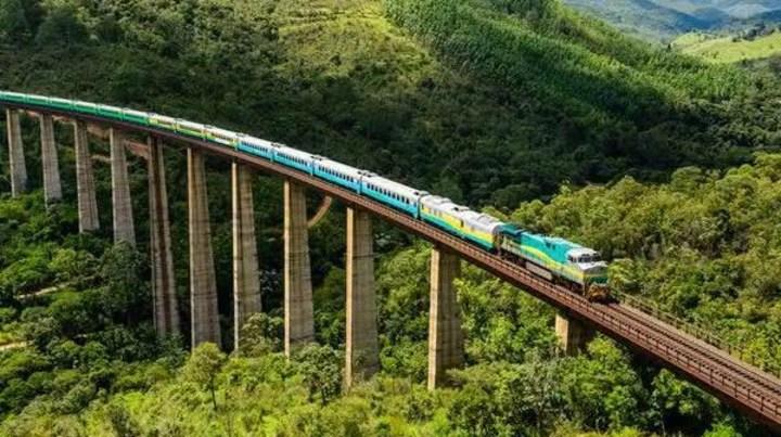 Os maiores trens do mundo que ainda transportam cargas pesadas